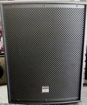 Studiomaster DRIVE 15SA Active 15″ Speaker SUB 400w class D amp /1600w peak