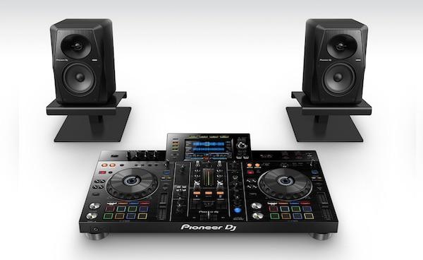 USB DJ Controller and Monitors